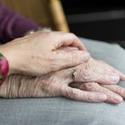 Anziani, il perno di famiglie e società